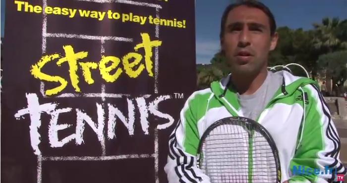 Marcos Baghdatis teste le Street Tennis